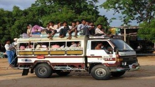 How to travel from Mandalay to Bagan ?