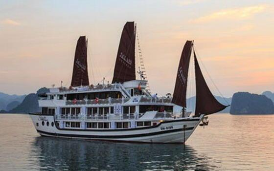 Luxury Halong Bay Cruises